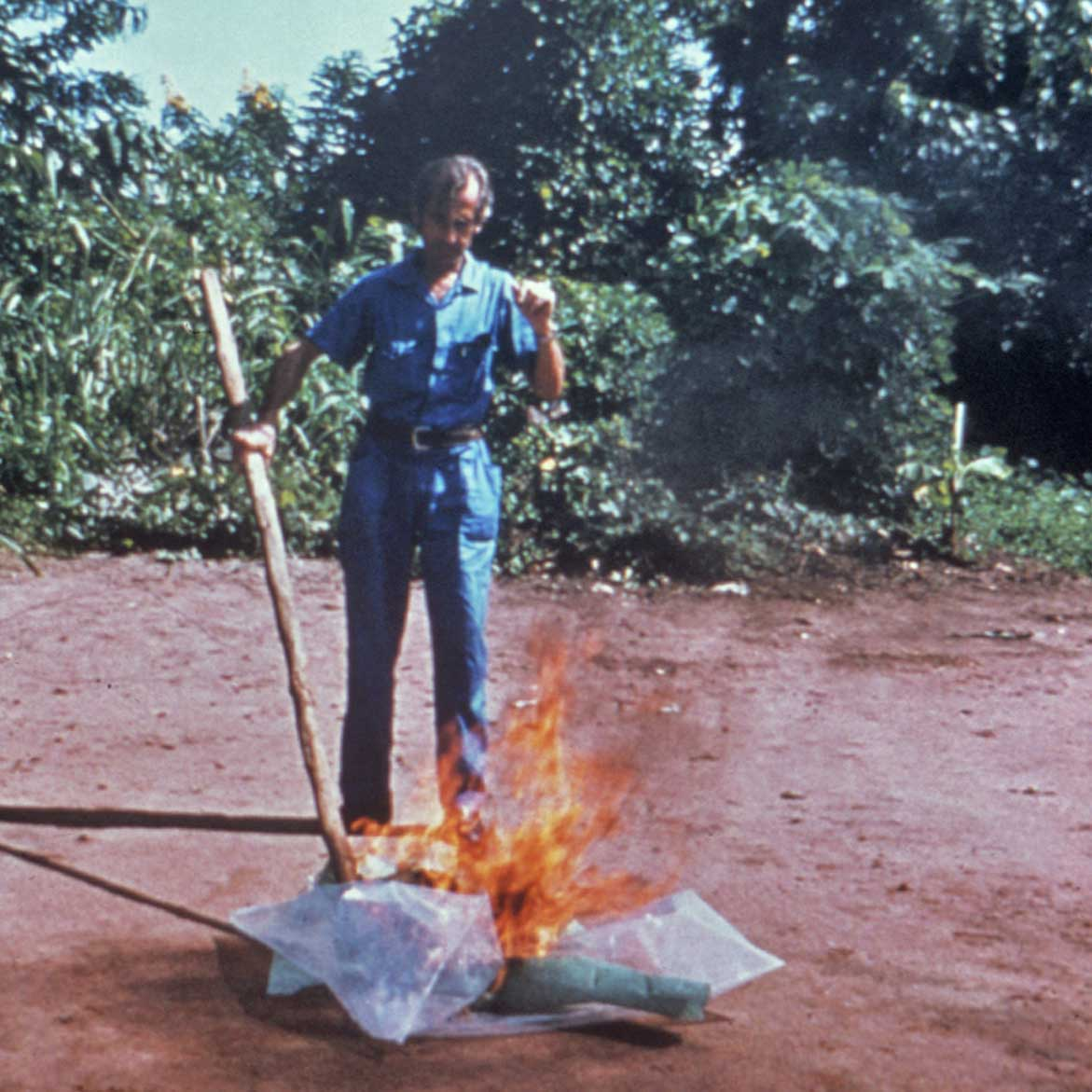 CDC worker incinerates medical waste from Ebola patients in Zaire, 1976. Credit: Centers for Disease Control and Prevention