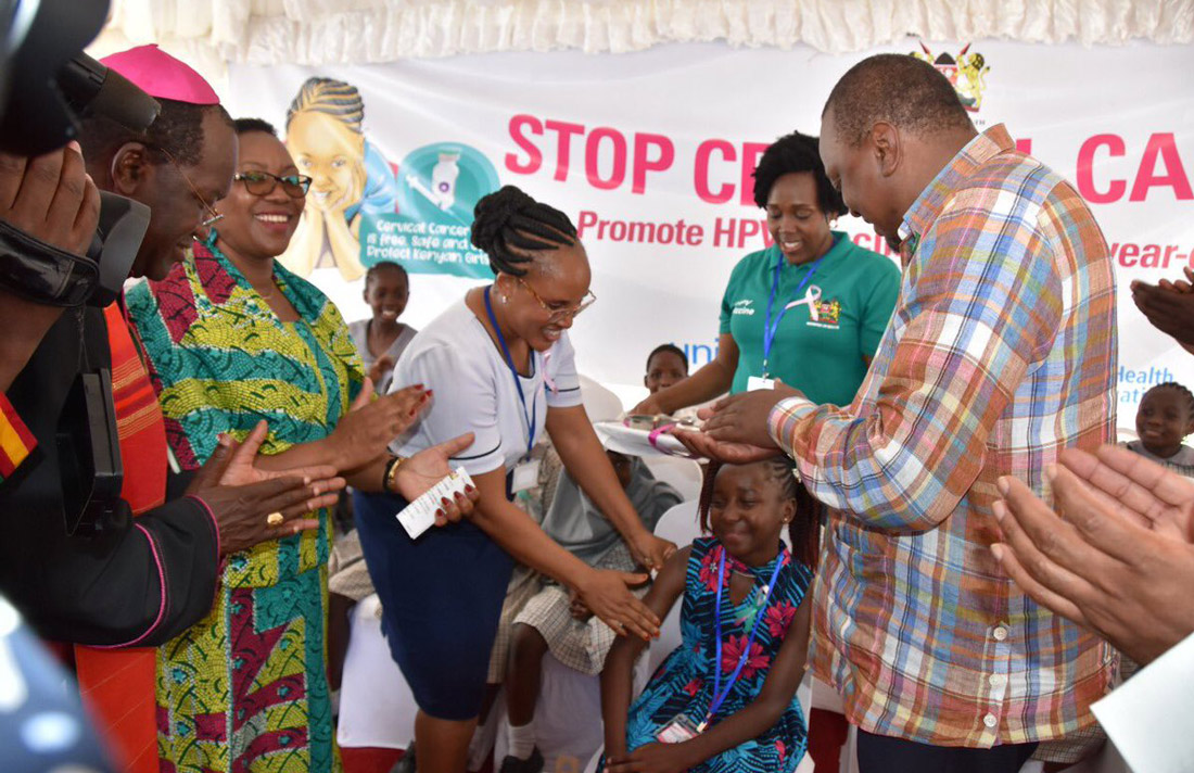 Image: His Excellency President Uhuru Kenyatta witnesses HPV vaccination
