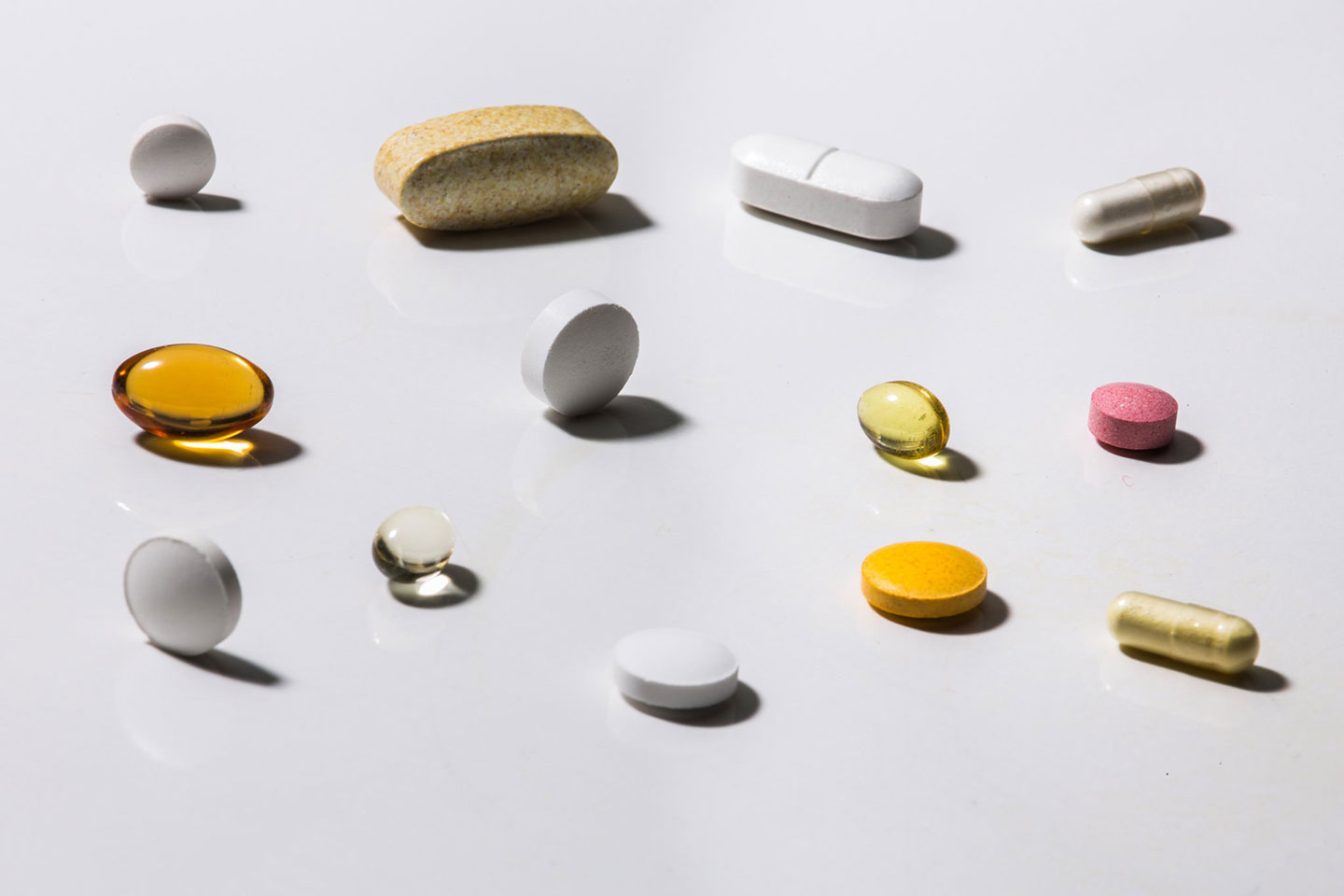 Image from NYT article - There is little evidence that vitamins and other dietary supplements can protect you from the coronavirus in any consistent or significant way.Credit: Tony Cenicola/The New York Times