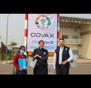 Dr Mark Jacobs, Dr Lauren Elizabeth Franzel-Sassanpour, and Ms Souliya Channavong of the World Health Organization were on site to receive the COVID-19 vaccines together with partners. Credit: @ World Health Organization Western Pacific