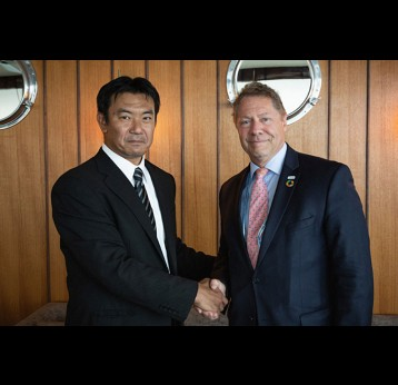 Shigeru Handa, AAIC Director, and Dr Seth Berkley, Gavi CEO, during the signing of the agreement. Credit: Gavi/2019/Isaac Griberg.
