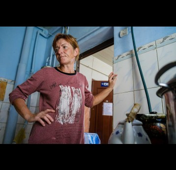 Tatiana, 45, is a resident of the Ishenim Nuru shelter for people living with HIV, Bishkek, Kyrgyzstan, November 2020. – UNDP Kyrgyzstan/Dmitry Motinov