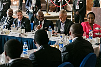 African business leaders and the GAVI Alliance discuss partnering uṕ